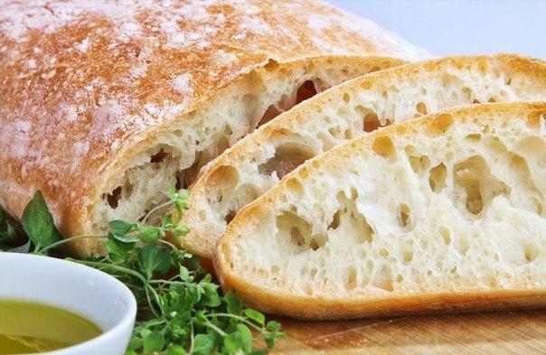 чиабатта в духовке что нужно: мука 400 гвода 330 гщепотка сухих дрожжей или осколок свежихсоль 1/2 ч.л.оливковое масло 1 ч.л.что делать: * вымесите тесто, используя ингредиенты. не забывайте о