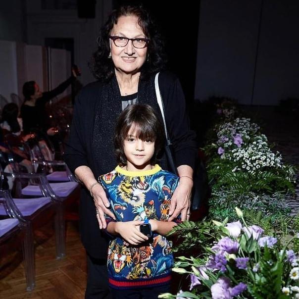 Мартин Киркоров и бабушка.