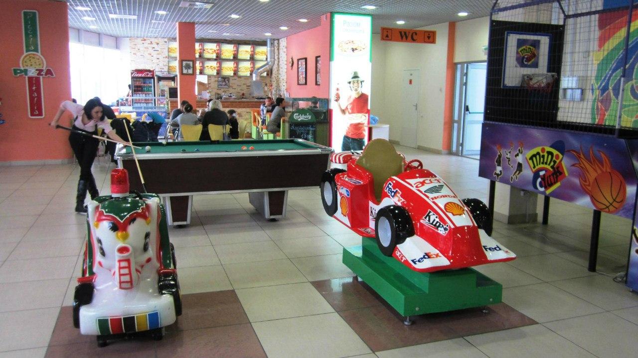 Фото: Дитячий майданчик в ТЦ Гермес