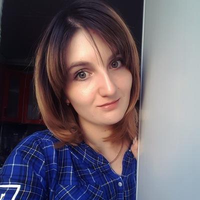 Анна Цюра