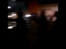 La police encerclée et attaquée au mortier par une bande de racailles dans un quartier. -