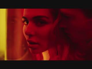 "Анна седокова в клипе ""шантарам"" (2018) hd 1080p голая? секси!"