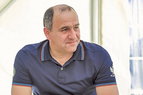 Темрезов: более 1 млрд рублей соцподдержки получили малообеспеченные многодетные семьи в КЧР