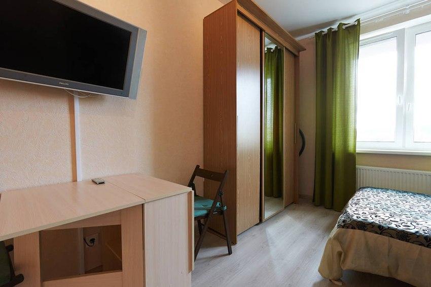 Интерьер прямоугольной студии почти 30 м в Санкт-Петербурге.