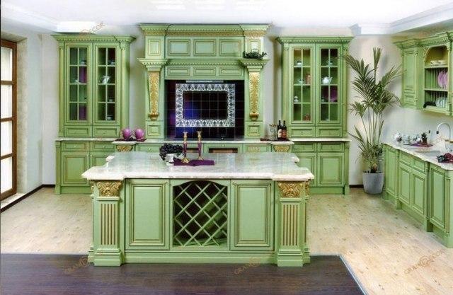 Зеленая кухня из дерева