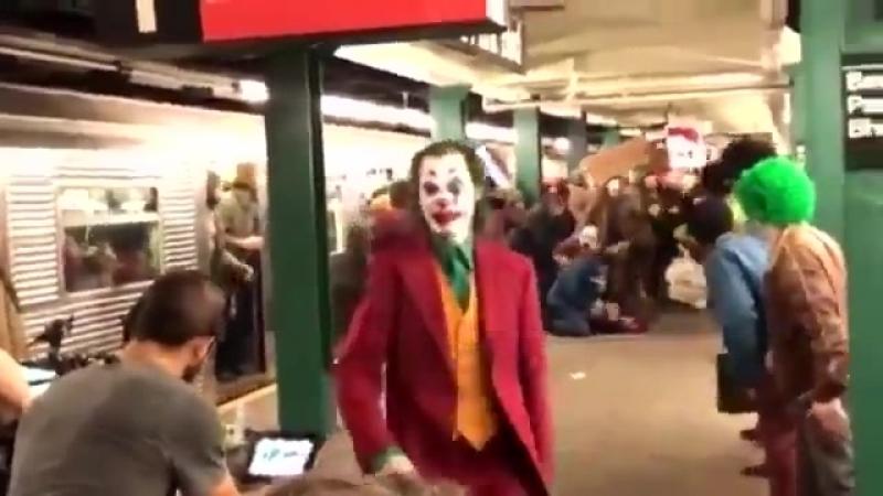 Хоакин Феникс в образе Джокера
