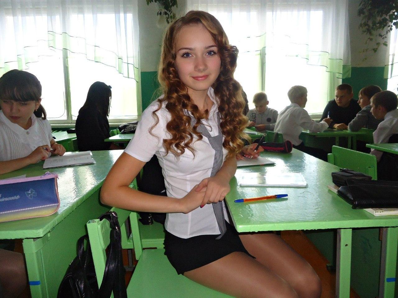 Русская старшеклассница раком 9 фотография