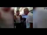Пассажир рейса Москва-Барселона успокоил пьяного гея