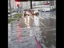 Прокатился по затопленным улицам Москвы на вейкборде