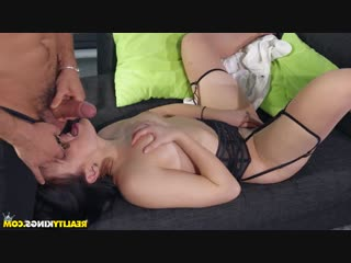 Hannah Vivienne - From Business To Pleasure