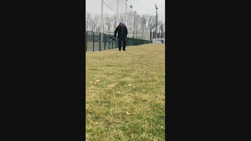 Бомж ищет шарик
