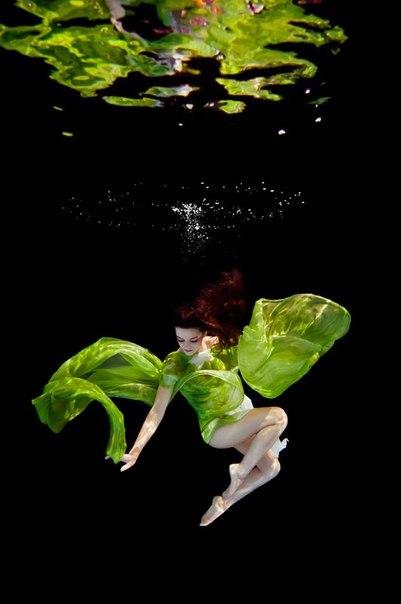 Дівчина у воді. Що таке музика