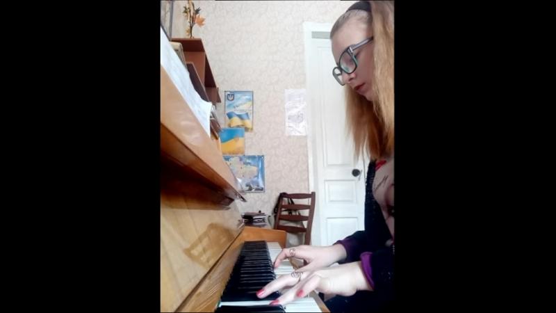 Бьянка вылечусь на пианино)
