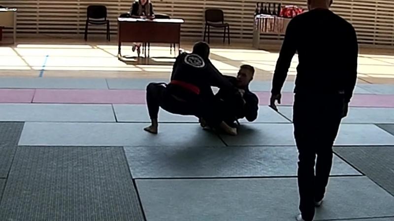 Любимов Александр - 1ая схватка (75 кг Beginners)