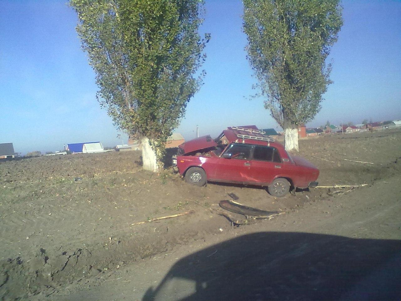ДТП под Таганрогом: столкнулись Audi 80 и «Ваз-21053», есть пострадавшие