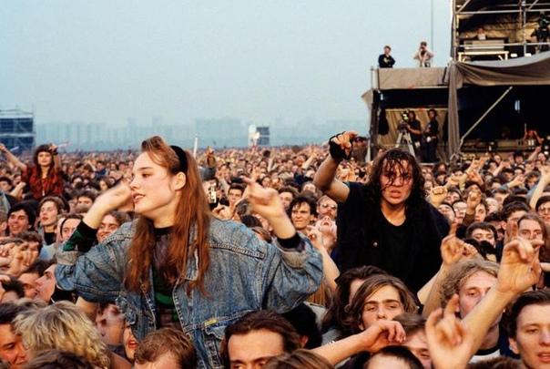 """Концерт """"Монстры рока"""" в 1991 году в Москве."""