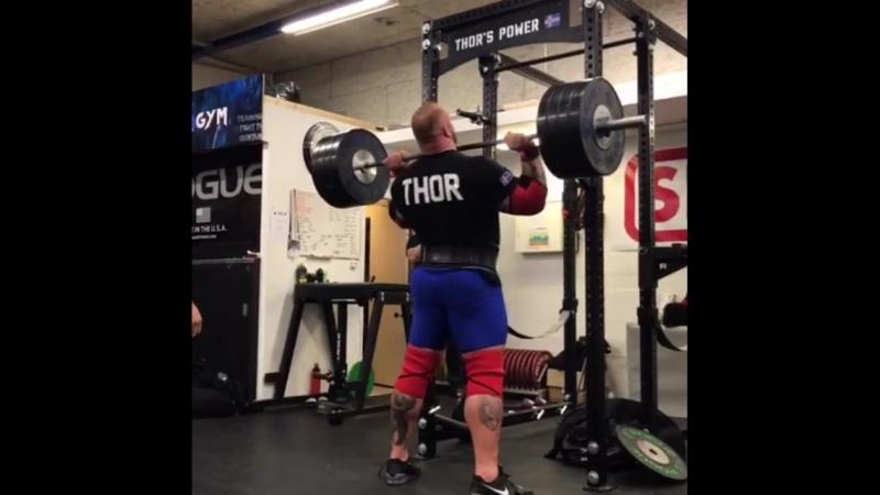 Хаффтор Бьорнссон - жим стоя 180 кг на 2