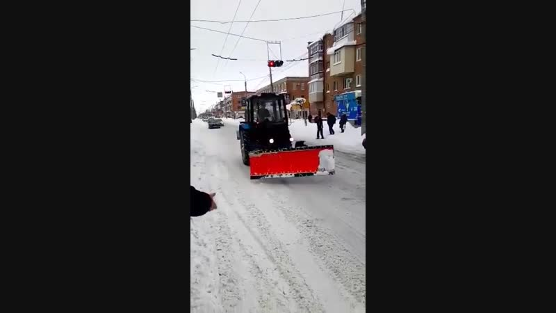 Трактор на улицах Черкасс