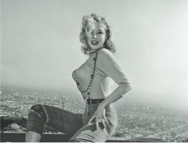 В 1968 году на Уолл-стрит обычный рабочий день был сорван из-за дамы с большой грудью Вы когда-нибудь слышали о Франсин Готтфрид Нет А ведь из-за этой девушки в 1968 году встала работа на всей