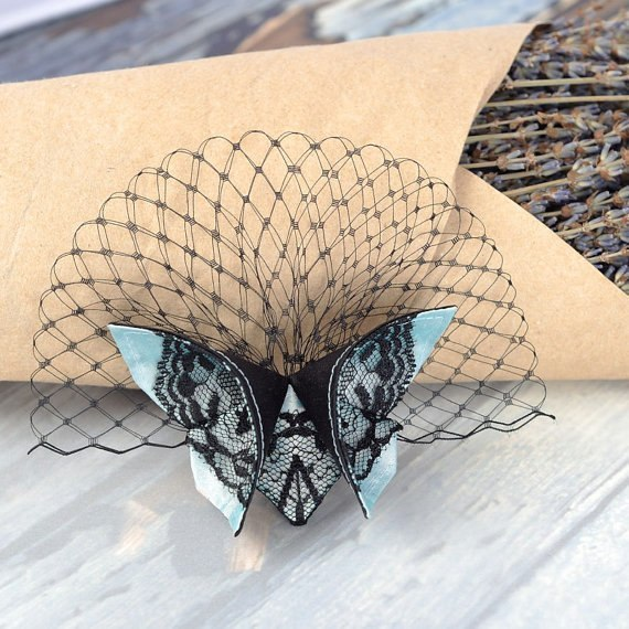 Бабочки из ткани в технике оригами (10 фото) - картинка