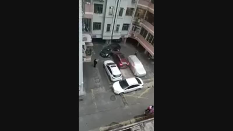 Когда тебя заперли на парковке