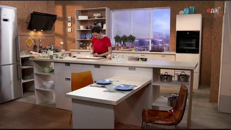 04 Дежурный по кухне Филе индейки в ореховой панировке с кускусом и овощами