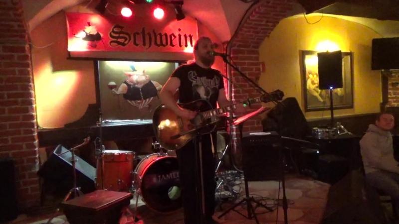 Андрей Худяков(unlimited arts show в SCHWEIN Клуб-бар ШВАЙН,24.4.18).MP4.MP4