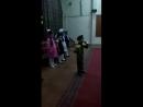Читает стих «высший класс»