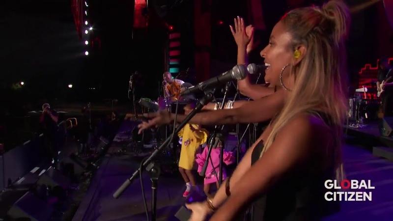 Stevie Wonder Pharrell Williams ~ Happy (Live)  Global Citizen 2017   Part 12