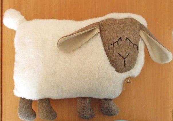 МК: Подушка -игрушка Спящая овечка (8 фото) - картинка