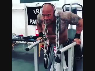 Дуэйн Джонсон тренировка груди le'qy l;jycjy nhtybhjdrf uhelb
