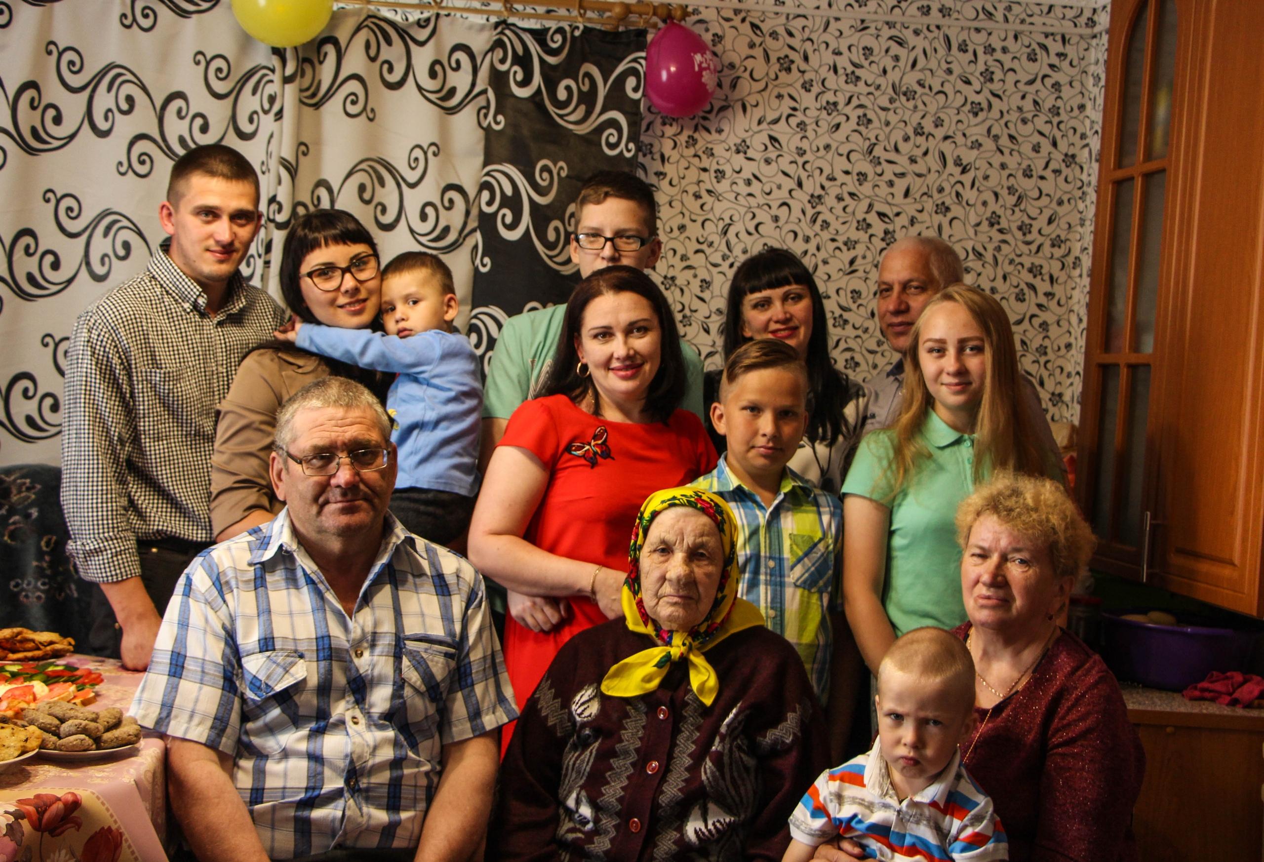 Президент России поздравил жительницу д. Макар-ыб с юбилеем