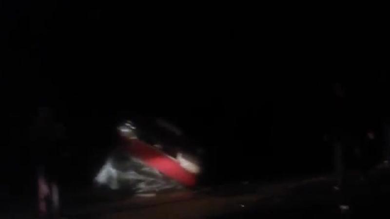 Самосвал выехал на встречку и столкнулся с микроавтобусом на трассе в Чувашии По предварительным данным погибли восемь челове