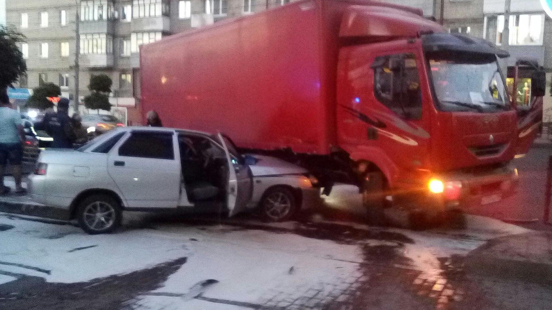 ВДТП убрянского «Ростелекома» серьёзно пострадали два человека