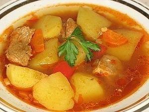 Супчик картофельный Ингредиенты: - 700 гр свинины - 15 шт