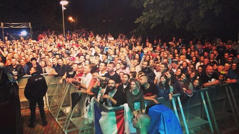 """Grégoire Lyonnet on Instagram: """"Trop fier de ma femme 🙏🏼 ❤️ Public en folie Bravo @alizeeofficiel 👏🏼👏🏼👏🏼👏🏼 concert alizee varsovie warsaw p..."""