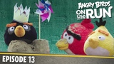 Angry Birds on The Run Fun Day at The Beach - S1 Ep13