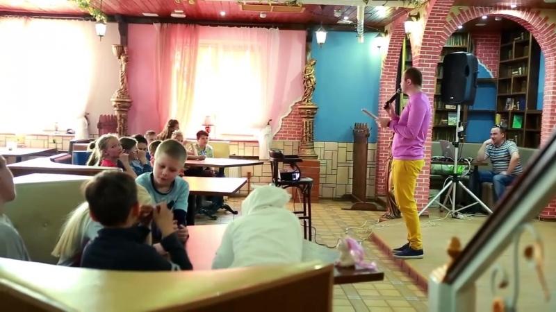 Интеллектуальная игра МозгоБойня от Magical Day Company в изысканном кафе Шато Леон