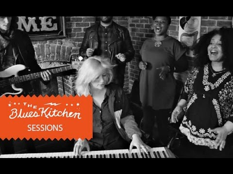Izo Fitzroy - Hope You Can Wait [The Blues Kitchen Sessions]