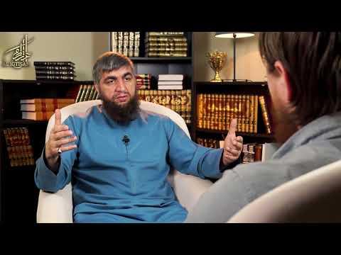 Если мусульманка уже носит никаб, снимать его грех