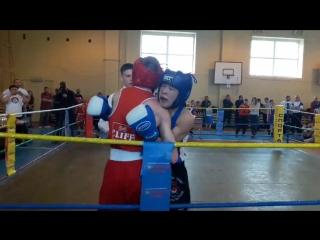 Баястан Мамазаитовсоревнования по боксу (синий угол)