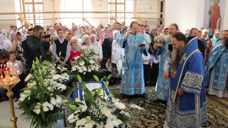 Архиерейское богослужение в Сарове на Успение