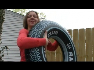 Inflating and deflating tire swim ring