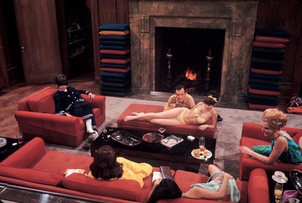 Серия фотографий 1966 года основaтеля Playboy Хью Хефнера.