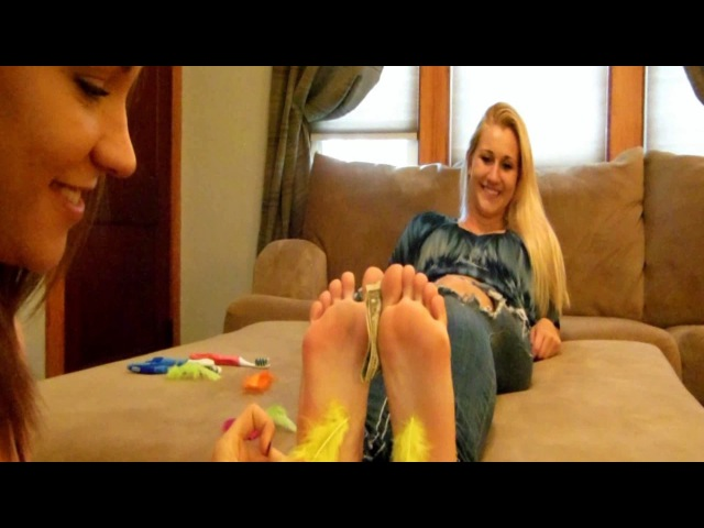 Gianna Vee and Toris Hold the Dollar Foot Tickle Challenge