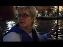 Поездка на лодке к месту, где на деревьях сверкает море светлячков.