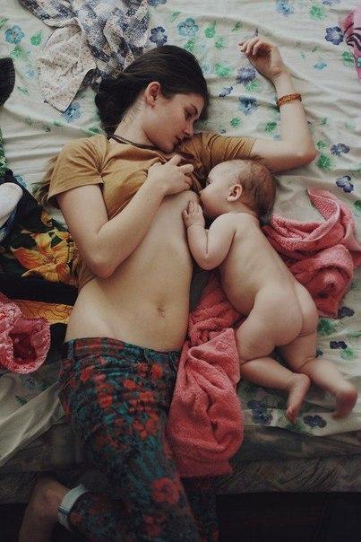 смотреть бесплатно голые мамы и их дочки фото