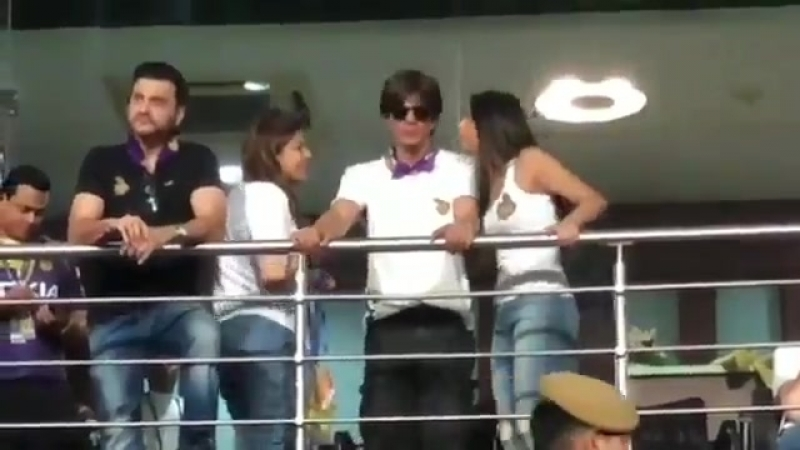 Srk and Suhana at KKR first match.