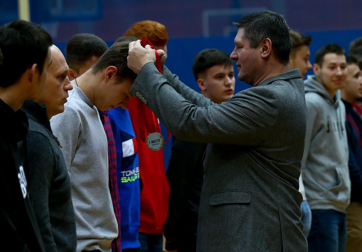 Награждение команд-призеров Кубок Москвы среди юношей и девушек 2000 года рождения