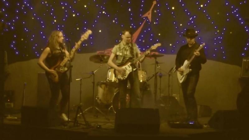 JACKSON BAND - Не по пути (концерт в Байконуре 16.03.18).avi